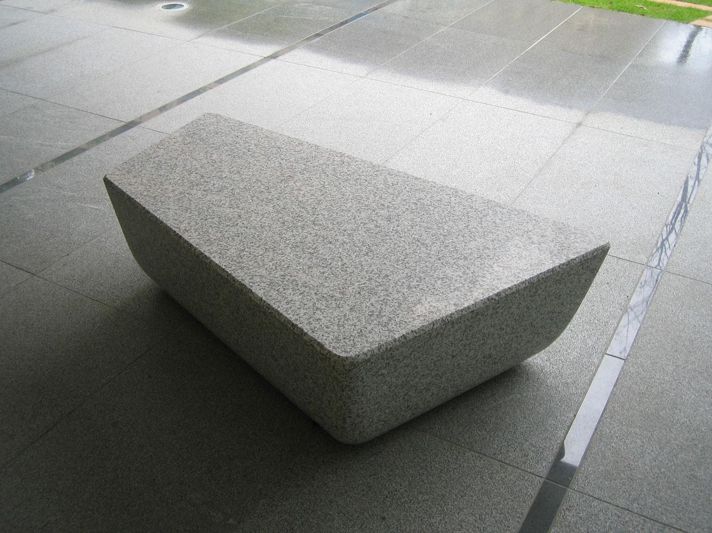 mkd_Gel-bench02W.jpg